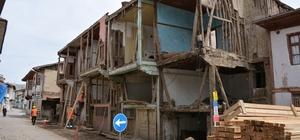 Zile'de 17 konağın cephe restorasyonu başladı
