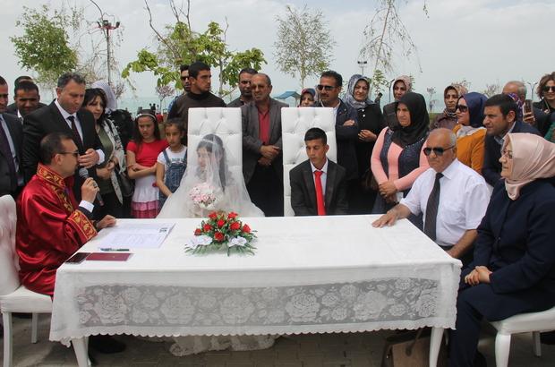 Görme engelli çifte Antalya sürprizi