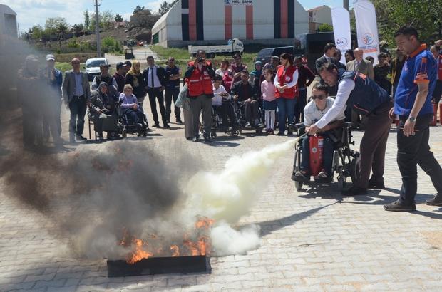 Engelli bireylere yönelik yangın tatbikatı