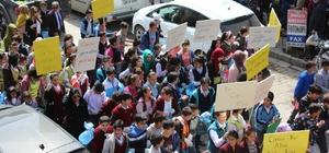 Bulanıklı öğrencilerden çevre yürüyüşü