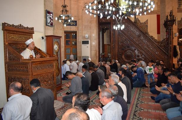 Malatya'da Berat Kandilinde camiler doldu taştı