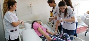 Hemşirelik eğitimde 'standart hasta' uygulaması