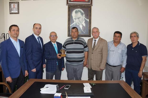 Aydın'da ayın şoförü ödülünü aldı