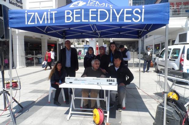 Engelliler haftası nedeniyle Belsa Plaza önünde mini konser verildi