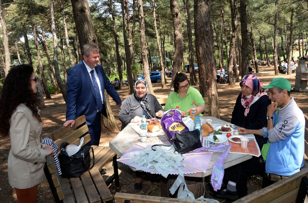 Engelliler piknikte gönüllerince eğlendi
