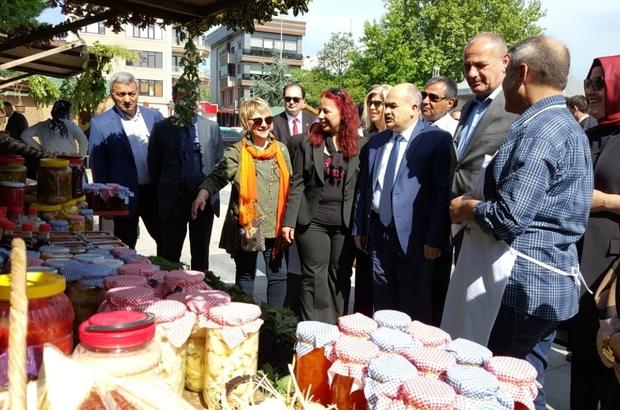 Vali Dağlı ve Başkan Keleş festival alındaki stantları gezdi