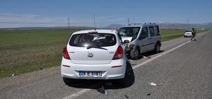 Bulanık'ta trafik kazası: 5 yaralı