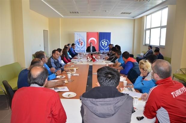 Anadolu Yıldızlar Ligi Badminton Türkiye Finali Teknik Toplantısı gerçekleştirildi