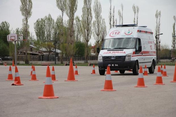 Van'da 'Ambulans Sürüş Teknikleri' eğitimi