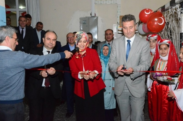 Osmangazi Ortaokulundan İngilizce Festivali