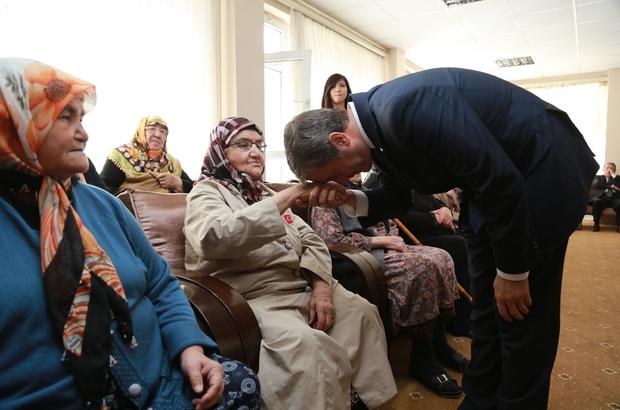 Başkan Tahmazoğlu, Anneler Gününü kutladı