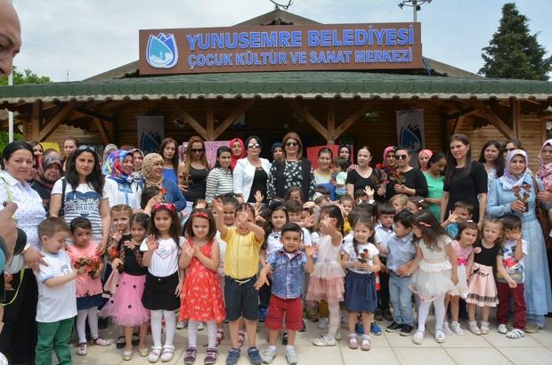 Yunusemreli minikler Anneler Günü'nü kutladı