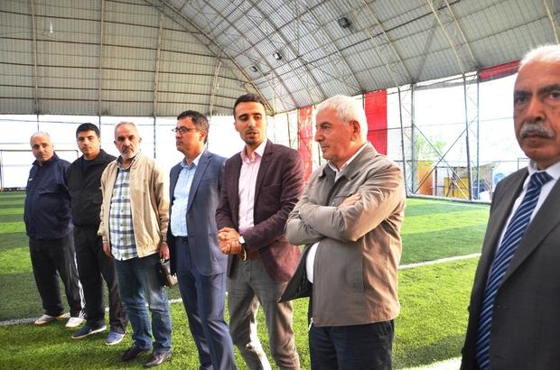 Birlik ve Beraberlik Halı Saha Futbol Turnuvasının açılışını Mumcu yaptı
