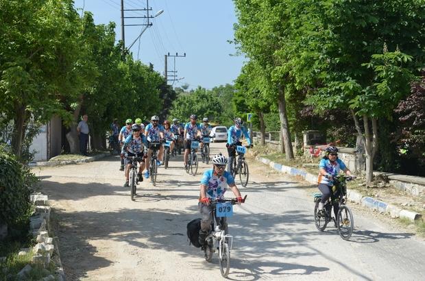 Bisiklet tutkunları Mysia yollarını keşfediyor