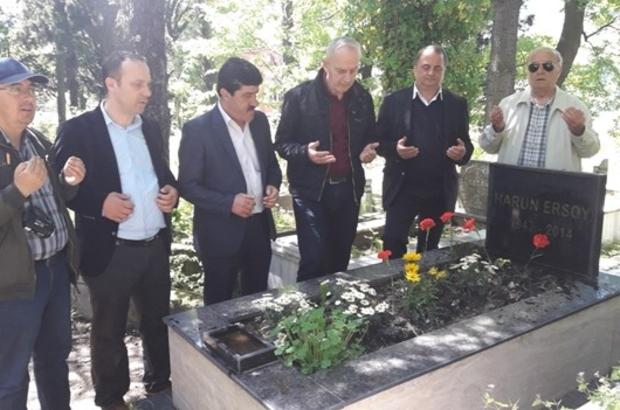 Gazeteci Harun Ersoy mezarı başında anıldı