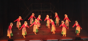 Üç Mehmet'in Dansı ayakta alkışlandı