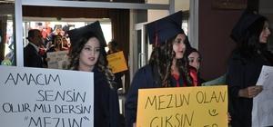 Sandıklı Meslek Yüksekokulunda mezuniyet coşkusu