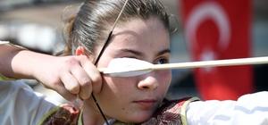 Mersin'de okçuluk festivali düzenlendi