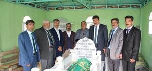 Oltulu Aşık Mevlüt İhsani mezarı başında anıldı