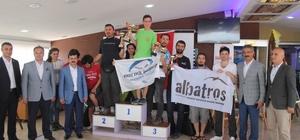 Uluslararası yamaç paraşütü yarışması ödül töreni ile sona erdi