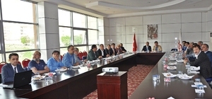 Kazakistan Büyükelçisi Elazığlı iş adamlarıyla bir araya geldi