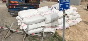 Başkale'de 3 ton kaçak çay ele geçirildi