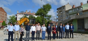 Yenişehir'e kapalı pazar yeri