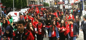 """Trabzon'da """"Gençlik Yürüyüşü"""" düzenlendi"""