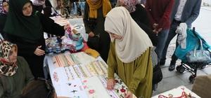Eyüplü kadınların çalışmaları Eyüp Sultan Meydanı'nda sergilendi