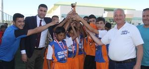 Suriyeli çocuklar turnuvaya katıldı