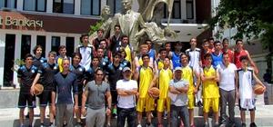 Çeşme'de sokak basketbolu turnuvası