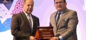 Bakan Akdağ'dan İzmir'e birincilik ödülü