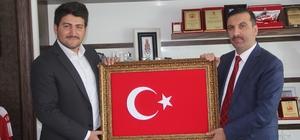 15 Temmuz gazisinden Sarıcaoğlu'na nakış işlemeli Türk bayrağı tablosu