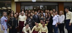 Başkan Ataç, Anneler Tiyatro Topluluğu ile buluştu