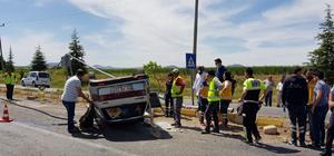 Uşak'ta trafik kazası : 1 ölü 1 yaralı
