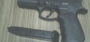 Polisler düğünlerde denetim yaptı 4 kişiye 'açık alanda silah kullanmaktan' ceza kesildi