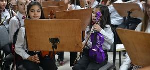Çocuk Senfoni Orkestrası büyük ustaya hazırlanıyor