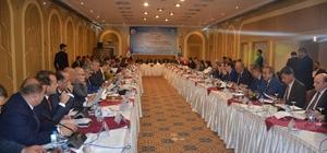 Türkmenlerin geleceği Bağdat'da masaya yatırıldı