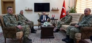 Orgeneral İsmail Serdar Savaş, Vali İsmail Ustaoğlu'nu ziyaret etti