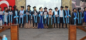 İvrindi' de mezuniyet coşkusu
