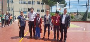 Pazarlar'da badminton turnuvası
