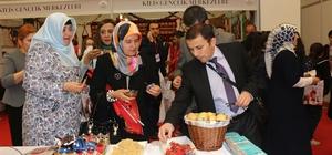Gençlik merkezi günlerinde Karaman standı yoğun ilgi görüyor