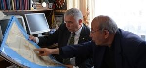 Vali Aziz Yıldırım, Şair ve Araştırmacı Yazar Dr. Muharrem Bayar'ı ziyaret etti