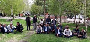 "Ardahan'da ""ağaç kesme"" protestosu"