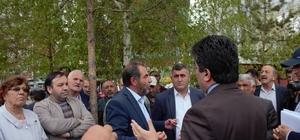 Ağaç sökümüne tepki gösteren CHP'liler oturma eylemi başlattı
