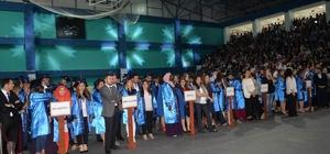DPÜ'de mezuniyet sevinci