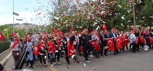 Kdz. Ereğli'de Osmanlı Çileği Şenlikleri Korteji yapıldı