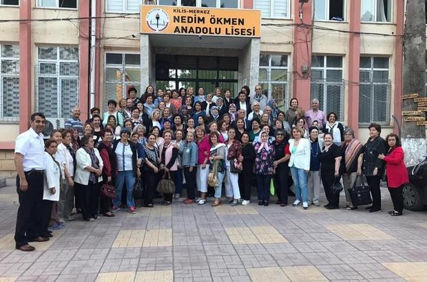 """Kilis Kız Öğretmen Okulu"""" mezunları 50 yıl sonra bir araya geldi"""