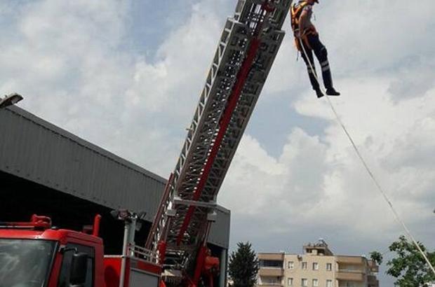 Dörtyol'da İtfaiye personelinden kurtarma tatbikatı