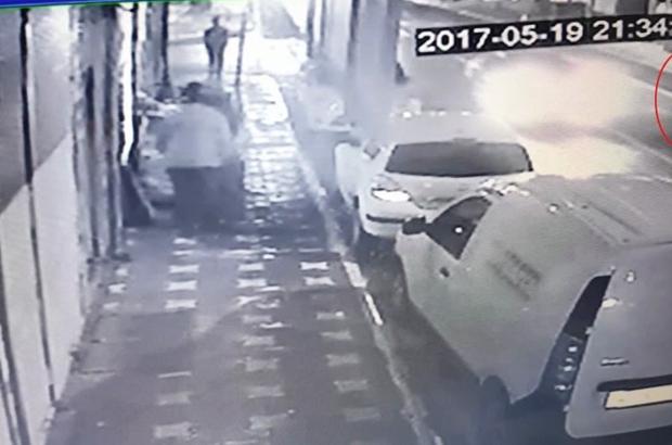 Yaşlı adama otomobil çarptı